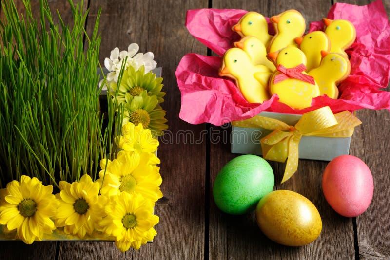 Download Eigengemaakte De Peperkoekkoekje En Eieren Van Pasen Stock Afbeelding - Afbeelding bestaande uit suikerglazuur, zoet: 29505247