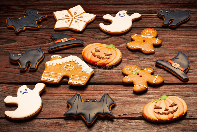 Eigengemaakte de peperkoekkoekjes van Halloween en van Kerstmis royalty-vrije stock foto's
