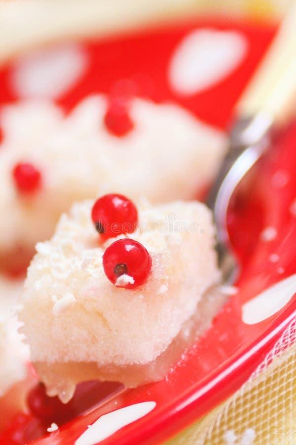 Eigengemaakte Fruitsoufflé met gelatine stock afbeeldingen