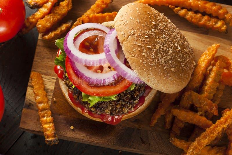 Eigengemaakte Gezonde Vegetarische Quinoa Hamburger royalty-vrije stock foto