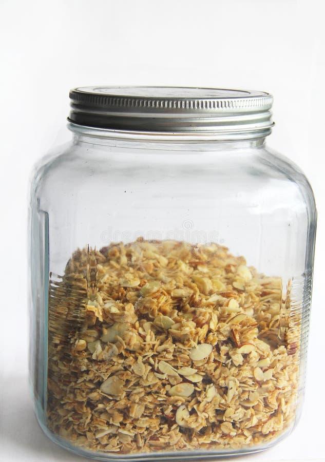 Eigengemaakte granola van de kokosnotenamandel stock afbeelding