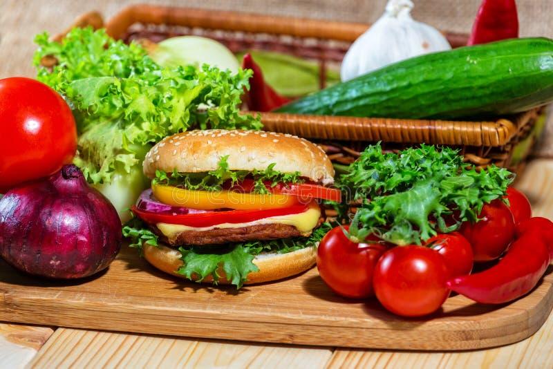 Eigengemaakte hamburger royalty-vrije stock foto