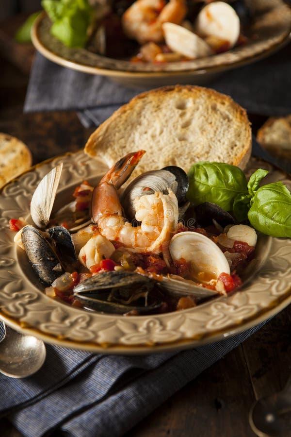 Eigengemaakte Italiaanse Zeevruchten Cioppino royalty-vrije stock afbeeldingen
