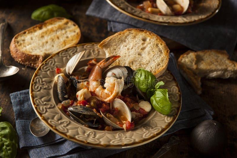 Eigengemaakte Italiaanse Zeevruchten Cioppino stock foto's