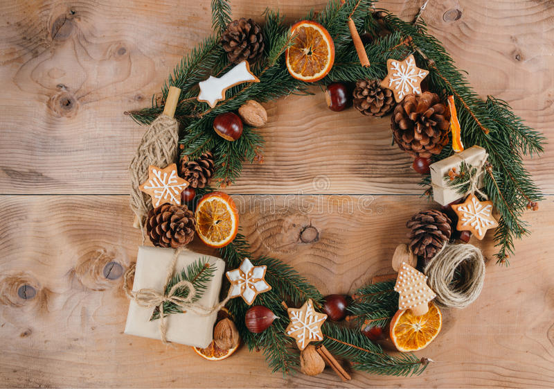 Eigengemaakte Kerstmiskroon stock fotografie