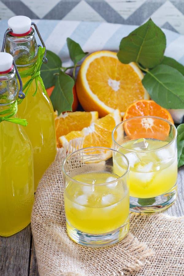 Eigengemaakte oranje likeur royalty-vrije stock foto's
