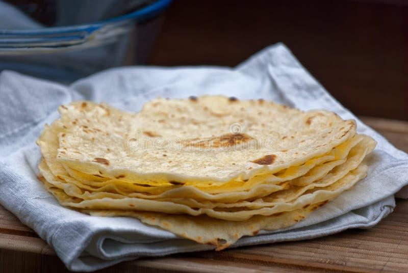 Eigengemaakte Tortillaomslagen stock afbeelding
