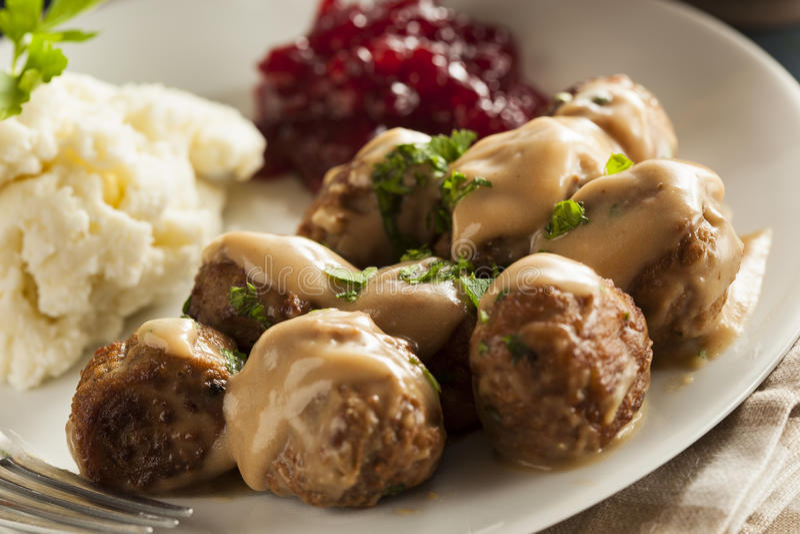 Eigengemaakte Zweedse Vleesballetjes met Roomsaus stock foto's