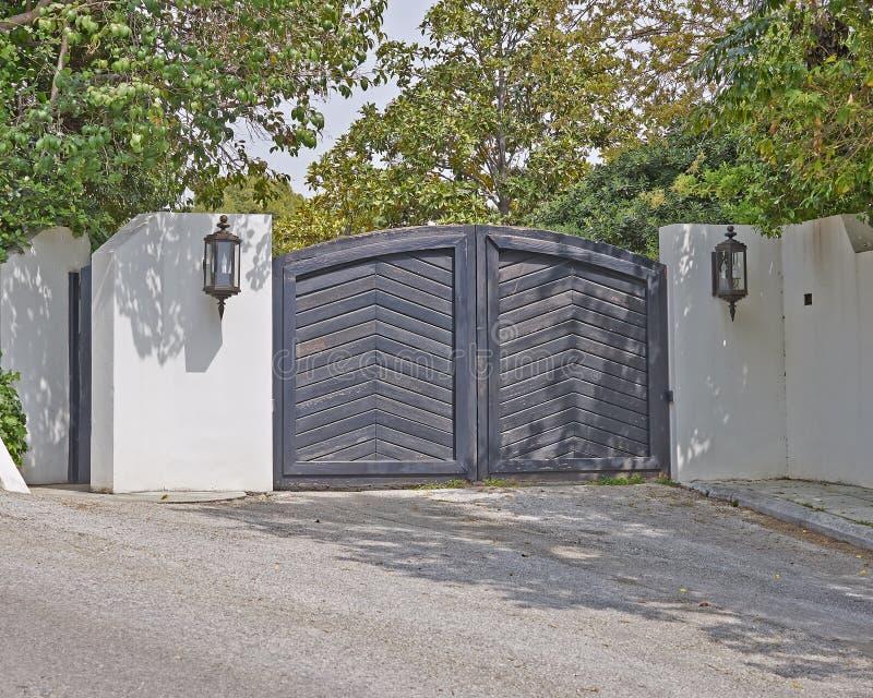 Eigentijdse huisdeur royalty-vrije stock afbeeldingen