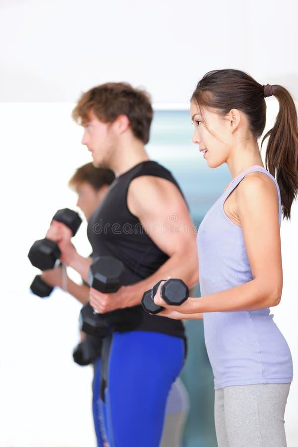 Eignungleute in der Gymnastik lizenzfreies stockfoto