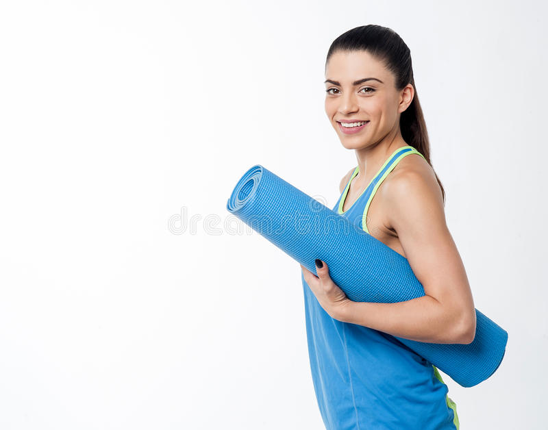 Eignungsfrau bereit zum Training stockfotos