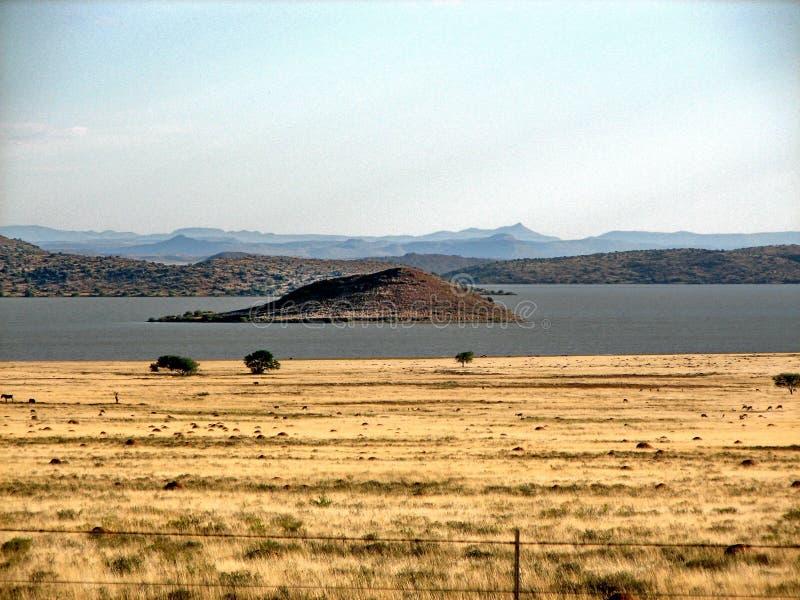 Eiland in Dam Gariep stock fotografie