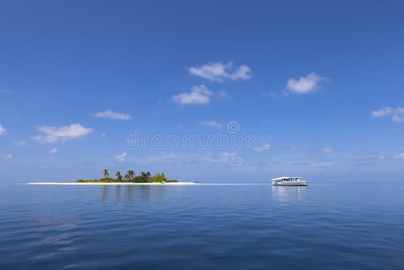 Eiland in de Maldiven royalty-vrije stock fotografie