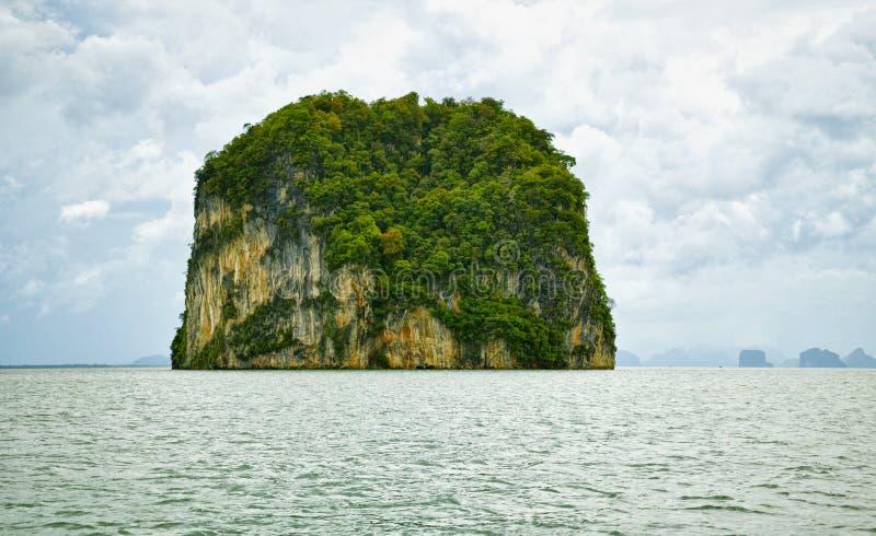 Eiland in het Overzees Andaman - tropisch landschap stock foto's