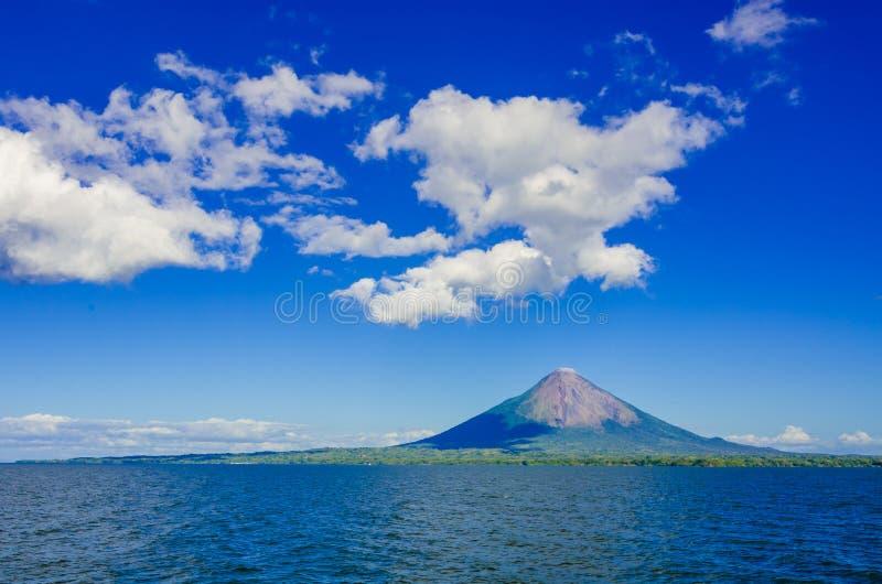 Eiland Ometepe met vulcano in Nicaragua stock afbeelding