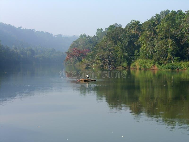 Eiland Sri Lanka, vroege ochtend op de rivier royalty-vrije stock fotografie