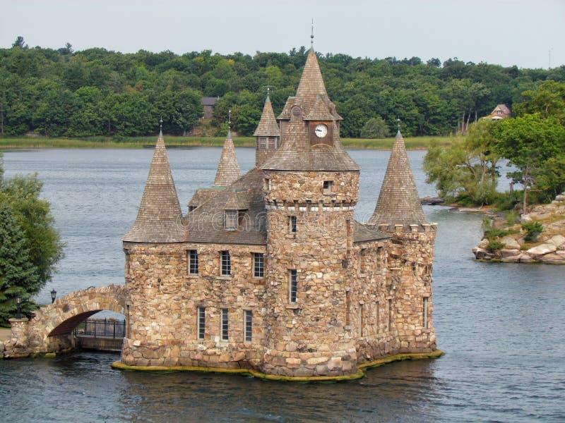 1000 Eilanden, de V.S. - 31 Augustus, 2012: Het Kasteel van middeleeuws-stijlboldt op Harteiland van Duizend Eilanden op St Lawre royalty-vrije stock fotografie