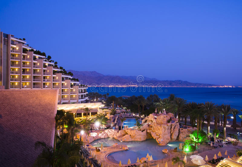 Eilat e Aqaba na noite fotos de stock
