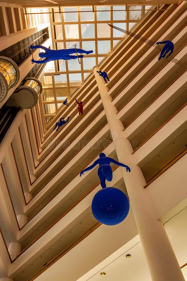 EILAT, ISRAEL - 21 DE NOVIEMBRE DE 2011: Hotel real interior de la playa en Eilat imagen de archivo