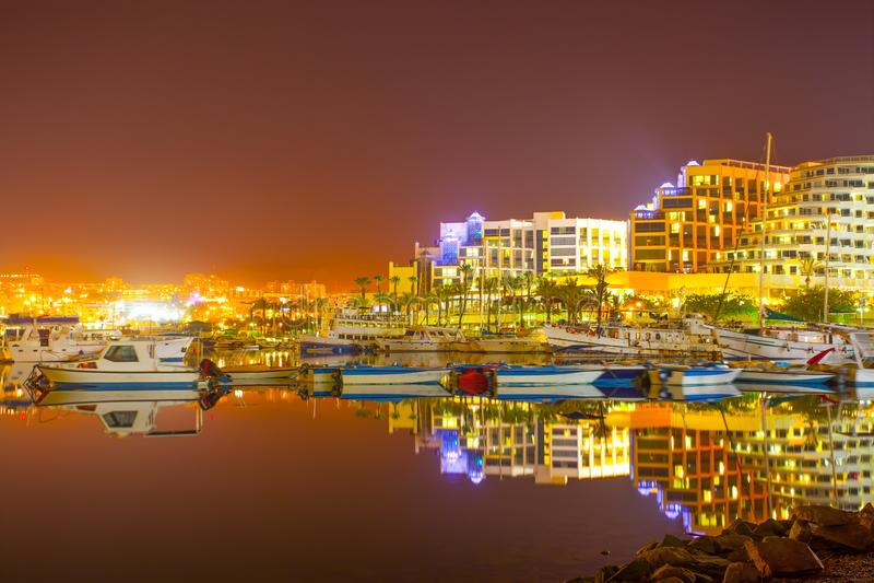 Eilat na noite foto de stock royalty free