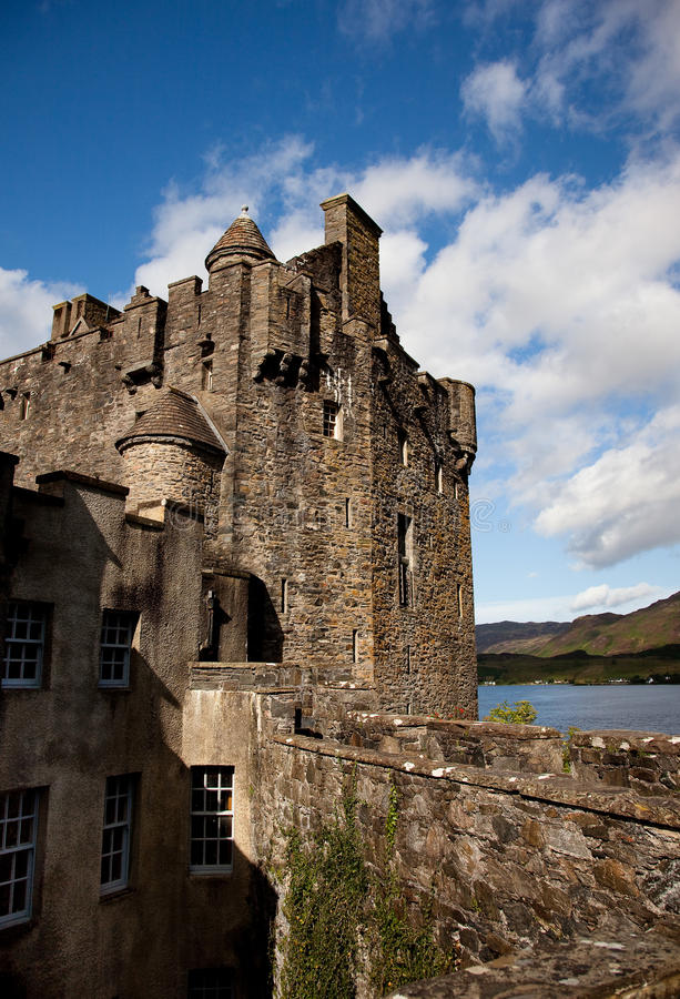 Free Eilean Donan Castle Royalty Free Stock Images - 11985079