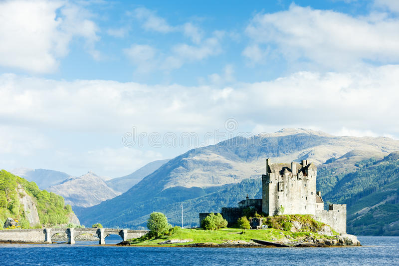 Download Eilean Donan Castle stock image. Image of locations, europe - 18120391