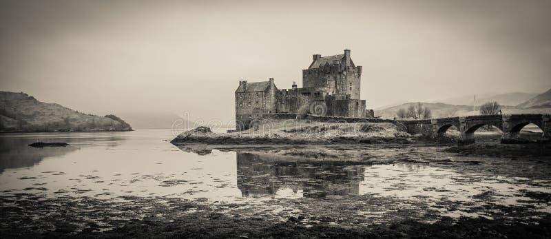Eilean Donan slott i Skottland, UK royaltyfria foton