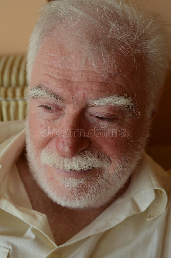 Ein älterer Mann lizenzfreie stockfotos