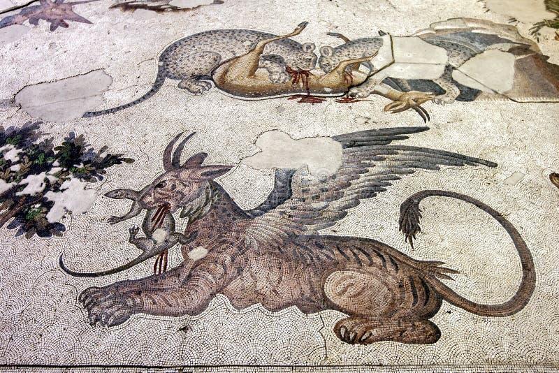 Ein Abschnitt von byzantinischen Mosaiken des 5. Jahrhunderts vom großen Palast-Mosaik am Istanbul-Mosaik-Museum in Istanbul in d lizenzfreie stockfotos