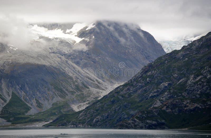 Ein alaskischer Gebirgszug lizenzfreie stockbilder