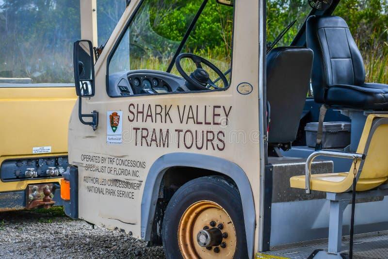 Ein allgemeiner Touristenbus im Everglades-Nationalpark, Florida lizenzfreie stockfotos