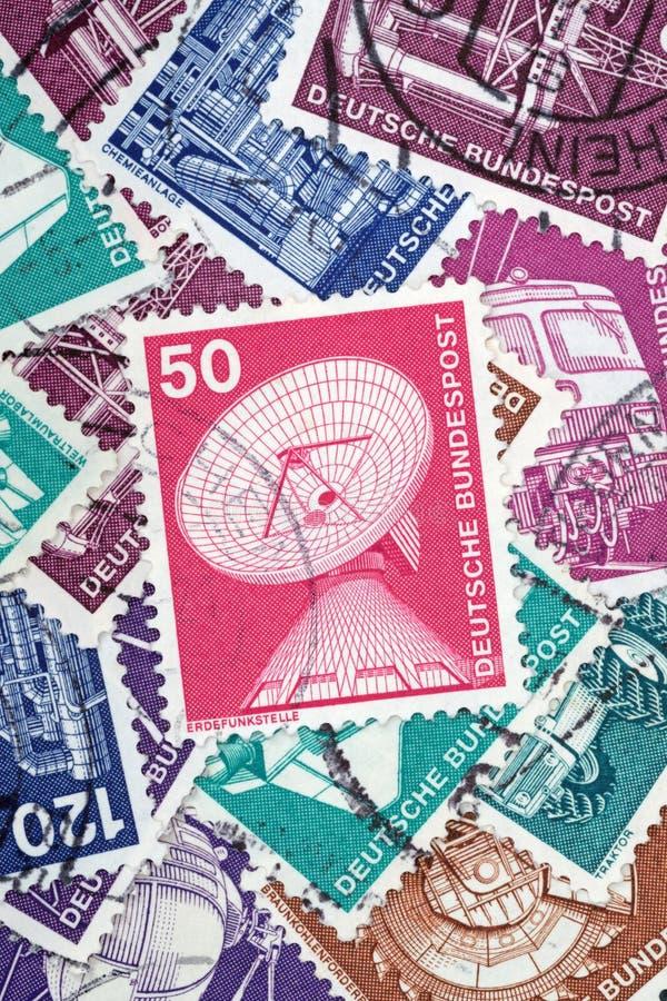 Ein alter deutscher Stempel über die Bodenstationen (redaktionell) stockfotografie