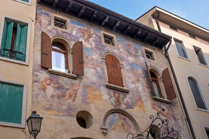 Ein altes Fresko auf der Wand des Hauses Conegliano Italien lizenzfreie stockbilder