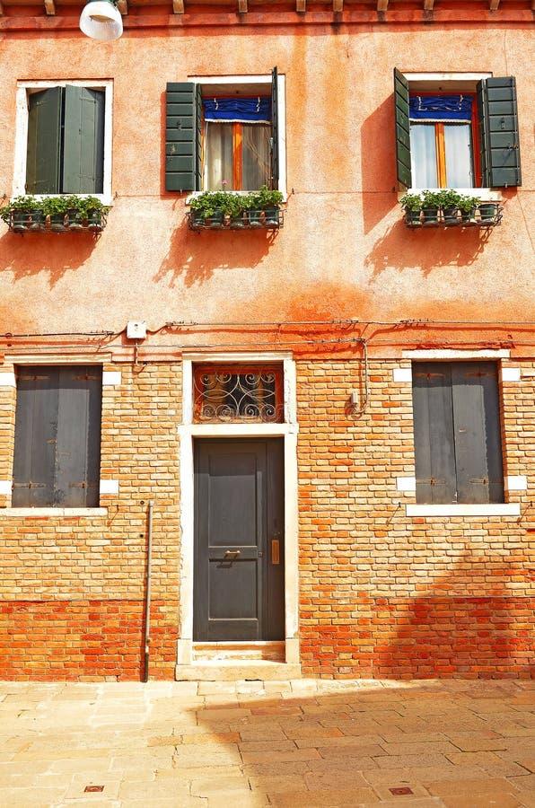Ein altes Haus in Venedig lizenzfreie stockbilder