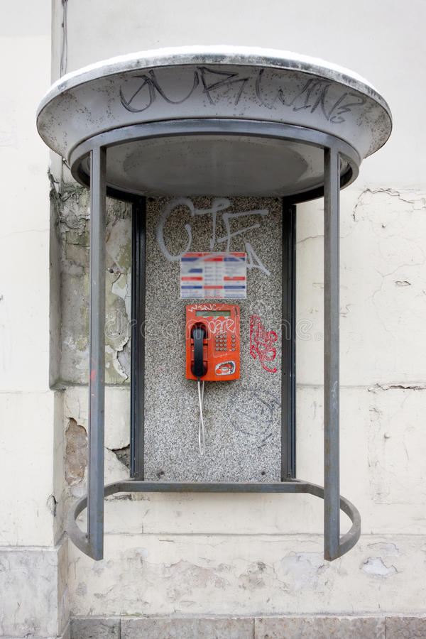 Ein altes, Retro-, schmutziges Telefon lizenzfreie stockfotografie