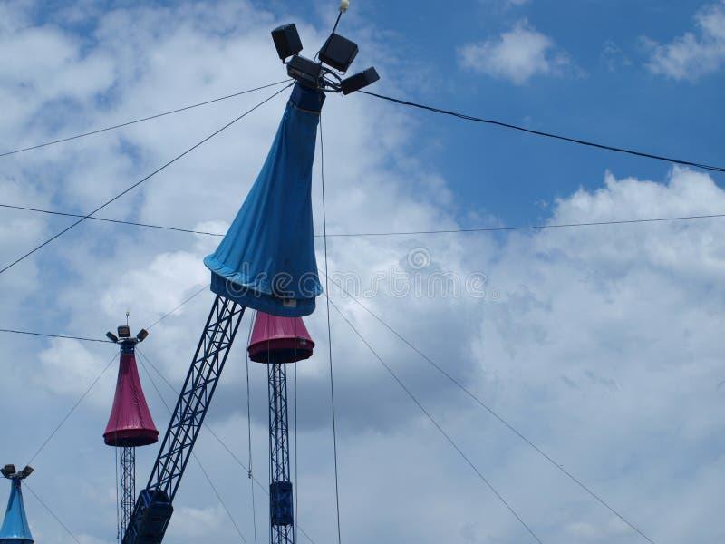 Ein anderer Winkel für den Turm-Mast lizenzfreies stockbild