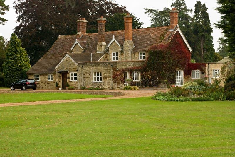 Ein anderes englisches Landhaus stockfotos