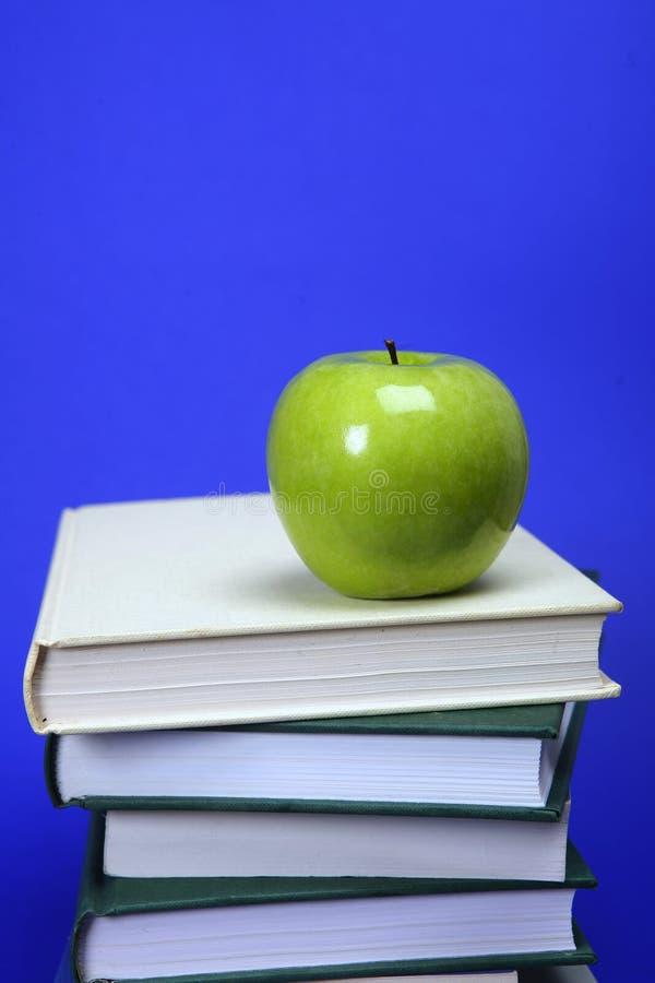 Ein Apfel für Lehrer lizenzfreie stockbilder