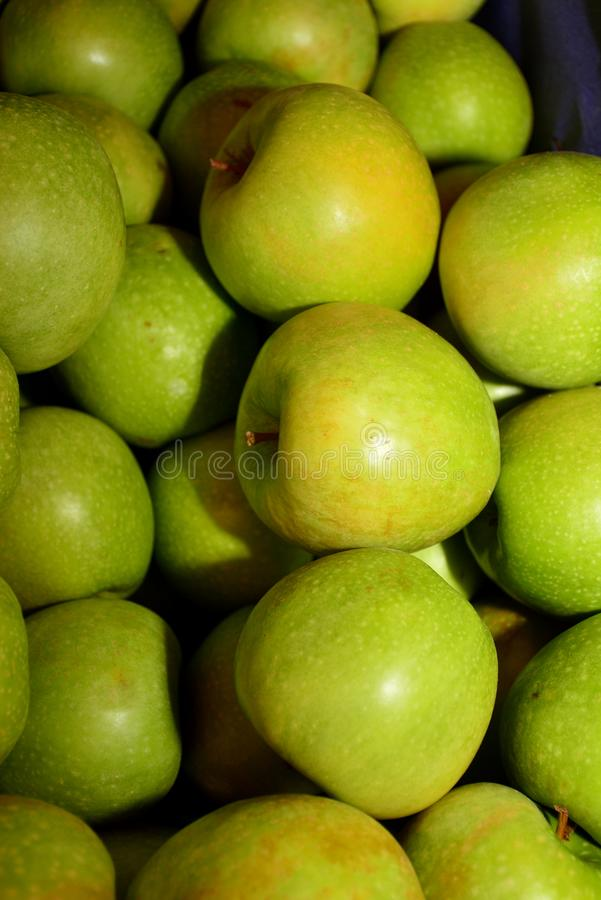 Ein Apfel ein Tag hält Doktor weg stockfotografie