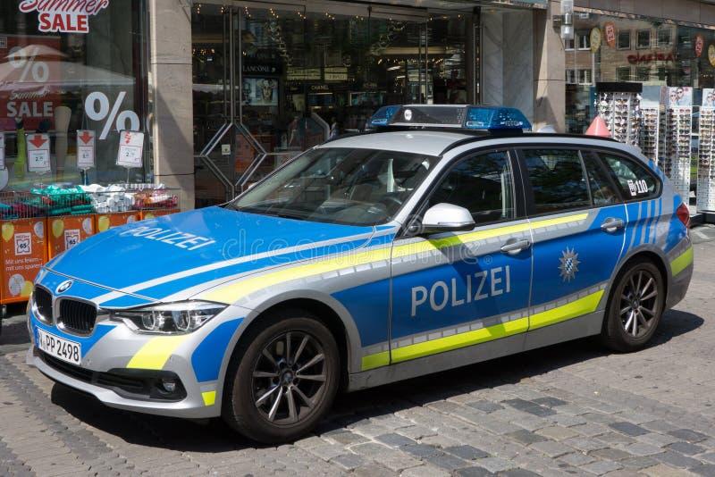 Ein bayerischer Zustands-Polizeiwagen stockbild