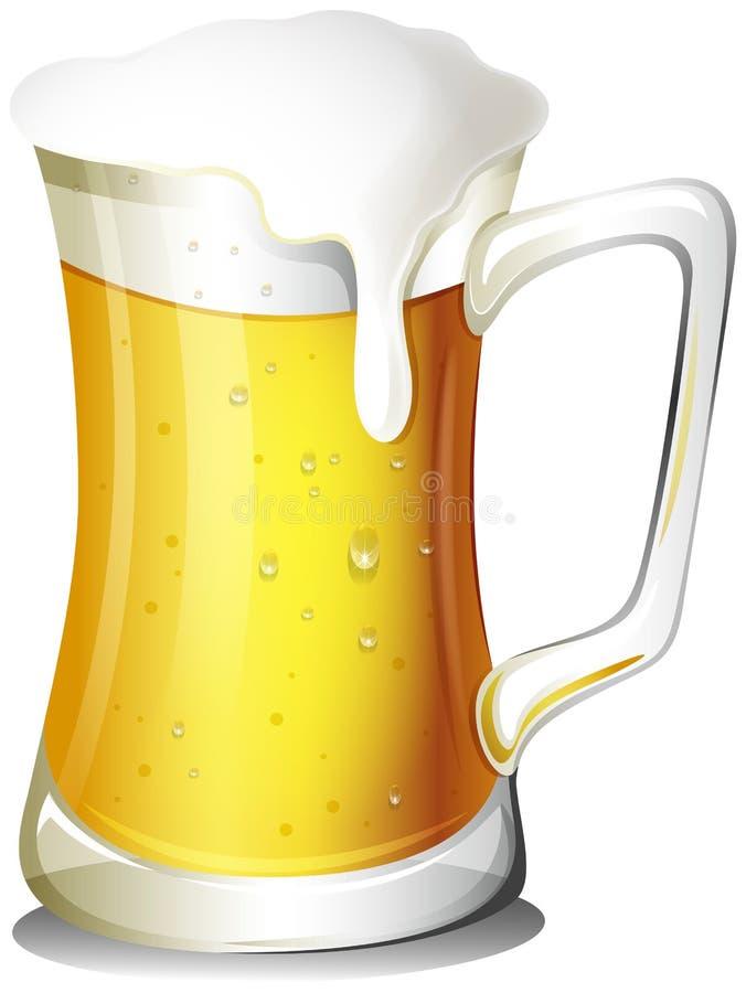 Ein Becher voll kaltes Bier stock abbildung