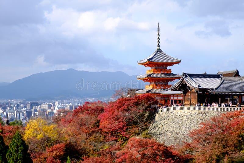 Ein berühmter Tempel in Kyoto im Herbst lizenzfreie stockfotografie