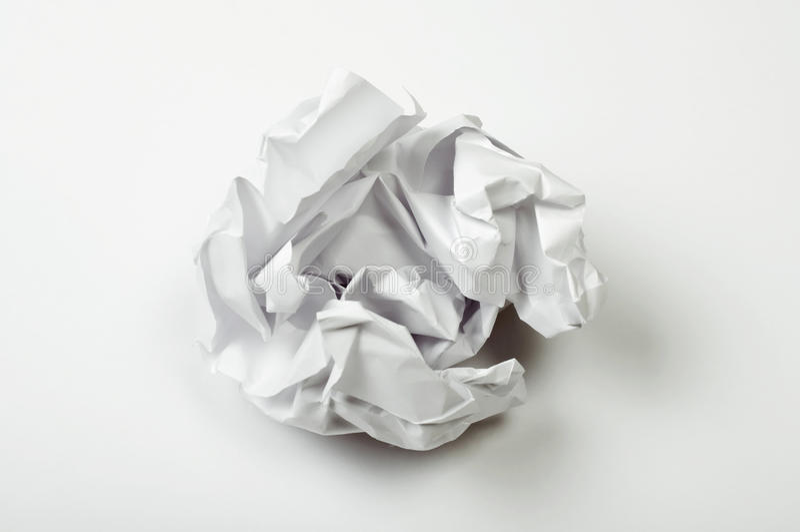 Zerknitterter Papierball stockfotos