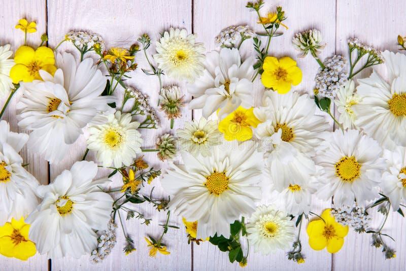 Berühmt Gelbe Blumen Blumenstrauß Bilder - Kleider und Blumen ...