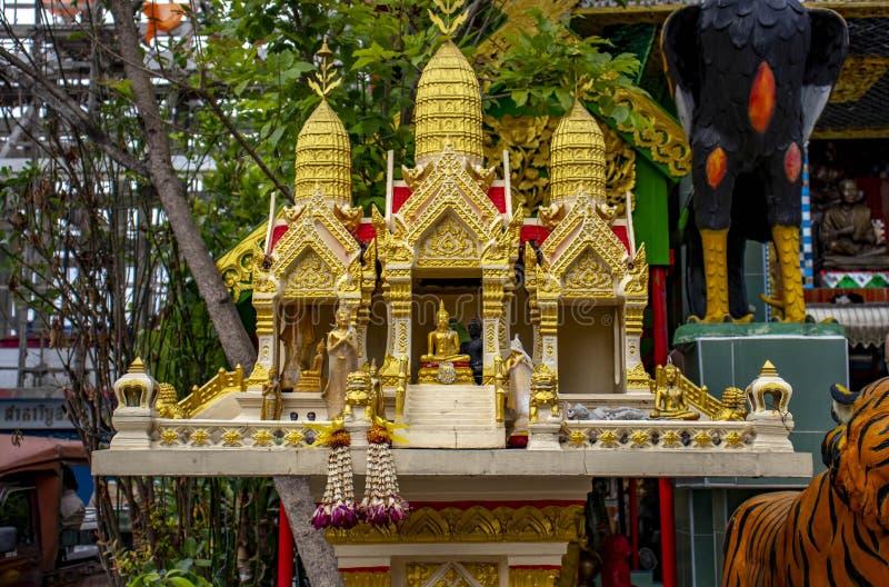 Ein buddhistischer Tempel in Bangkok, Thailand lizenzfreie stockfotos