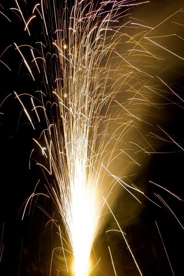 Ein Cracker brennt auf Diwali lizenzfreie stockbilder