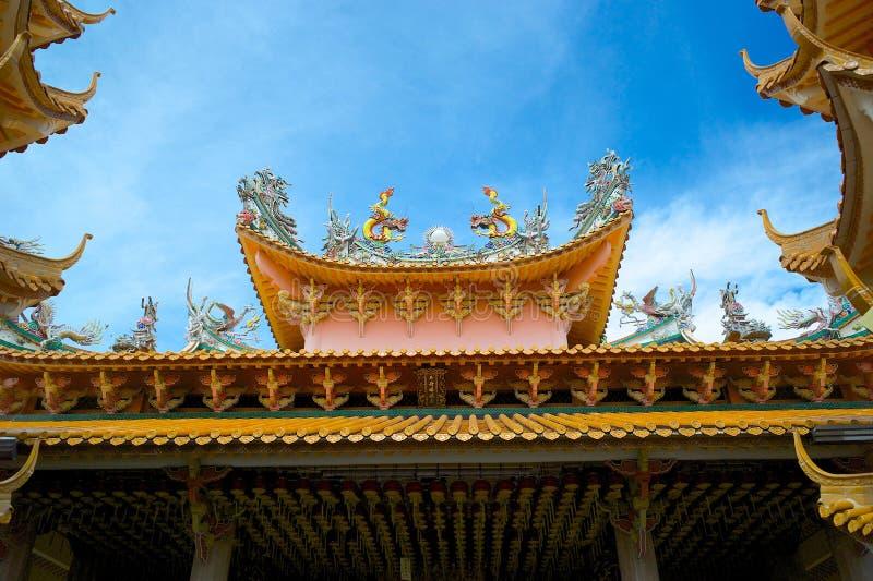Ein Dach des chinesischen Tempels in Penang, Malaysia lizenzfreie stockbilder