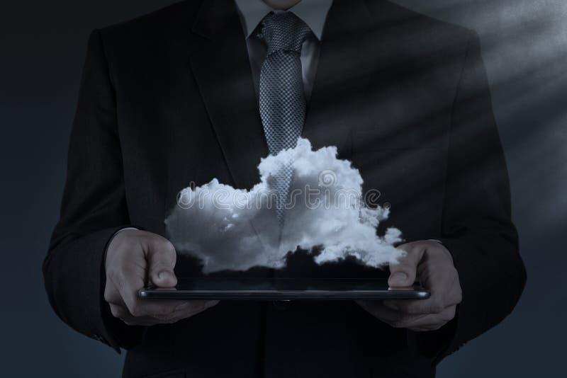 Ein Datenverarbeitungsdiagramm der Wolke auf der neuen Computerschnittstelle lizenzfreies stockbild