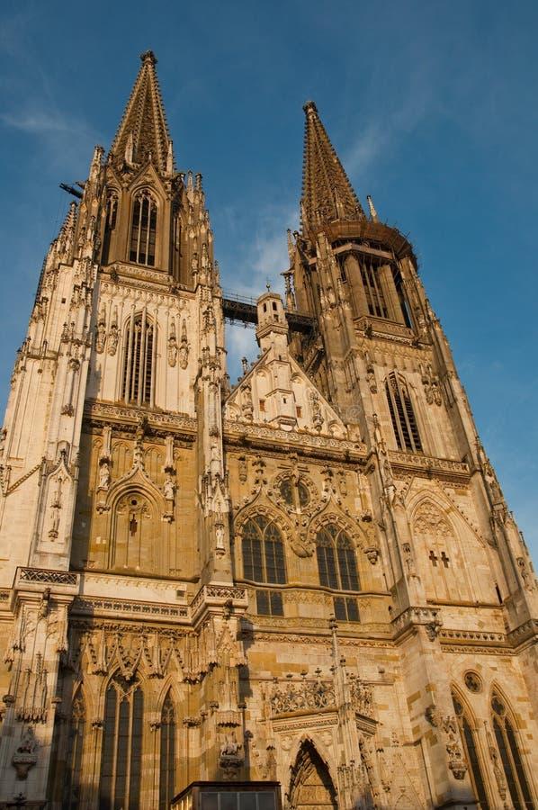 Ein der Welterbe-Site-alten Stadt von Regensburg mit Stadtamhof im Bayern, Deutschland lizenzfreies stockbild