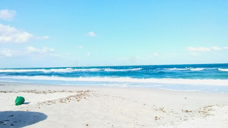 ein einsamer weißer Strand im Truthahn stockfoto